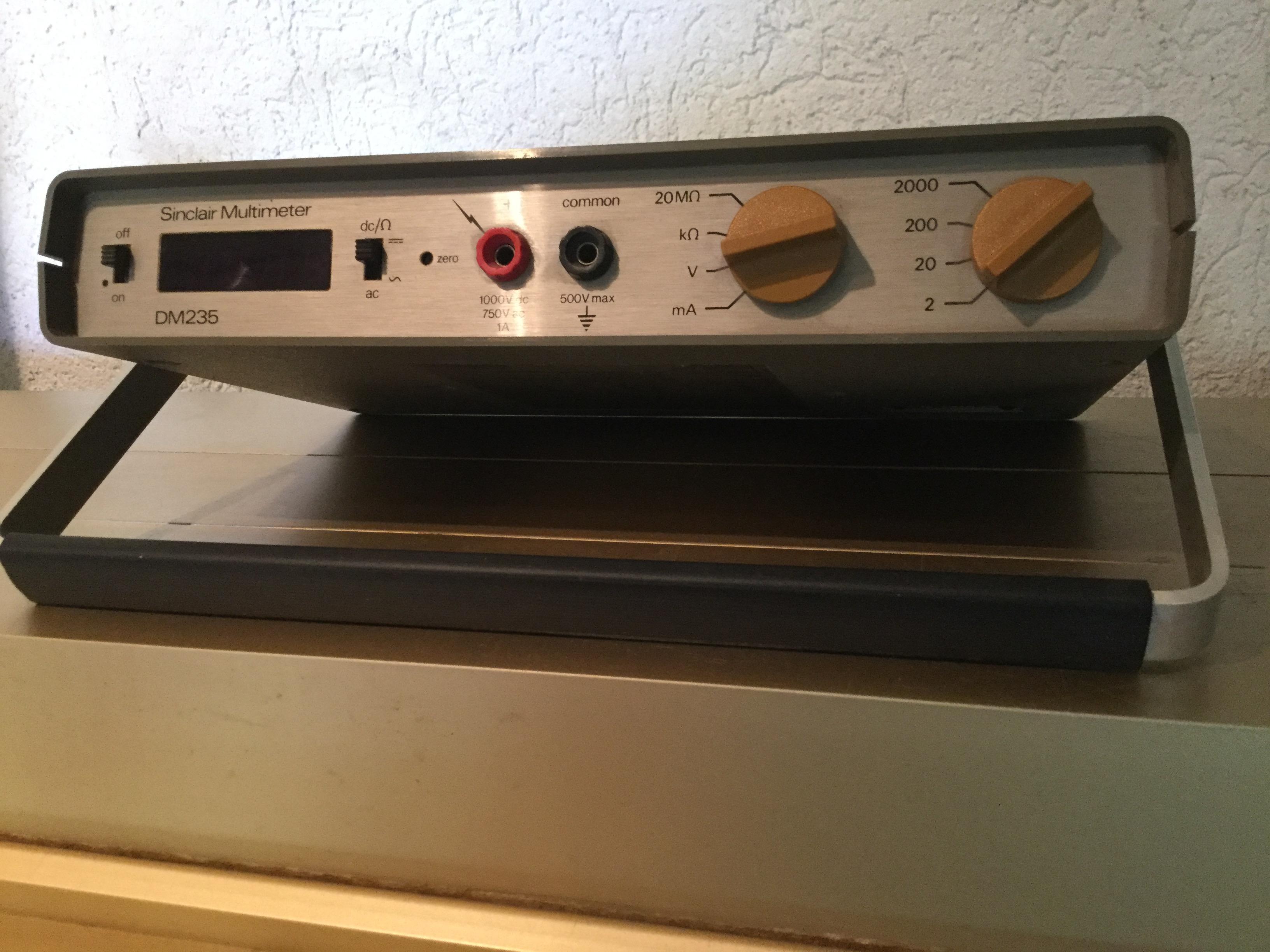 Sinclair -- Dm235